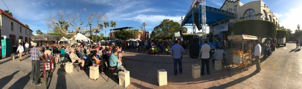 JoCoachella Panorama, as the show starts