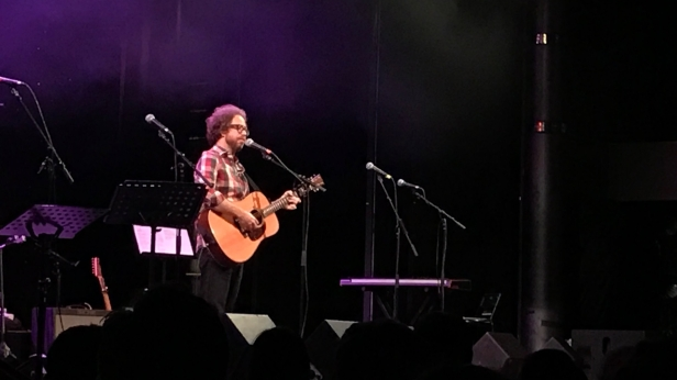 Jonathan Coulton himself, opening the evening